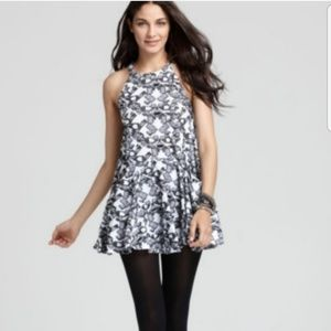 👗 Free People black and white distressed dress